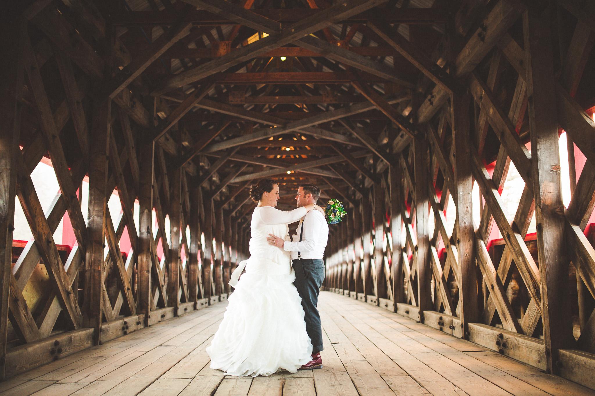 Wakefield-covered-bridge-wedding