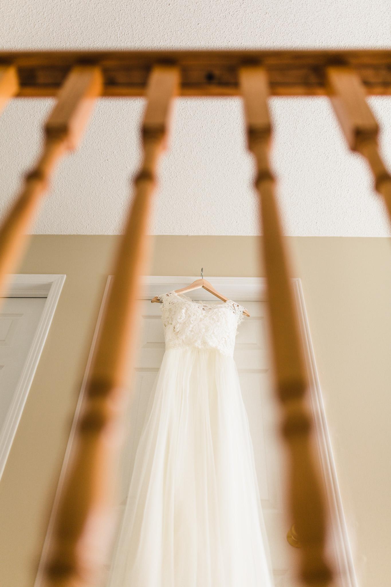 how-to-hang-wedding-dress-creative