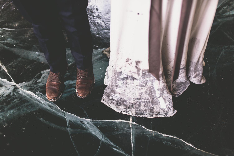 clear_blue_ice_wedding