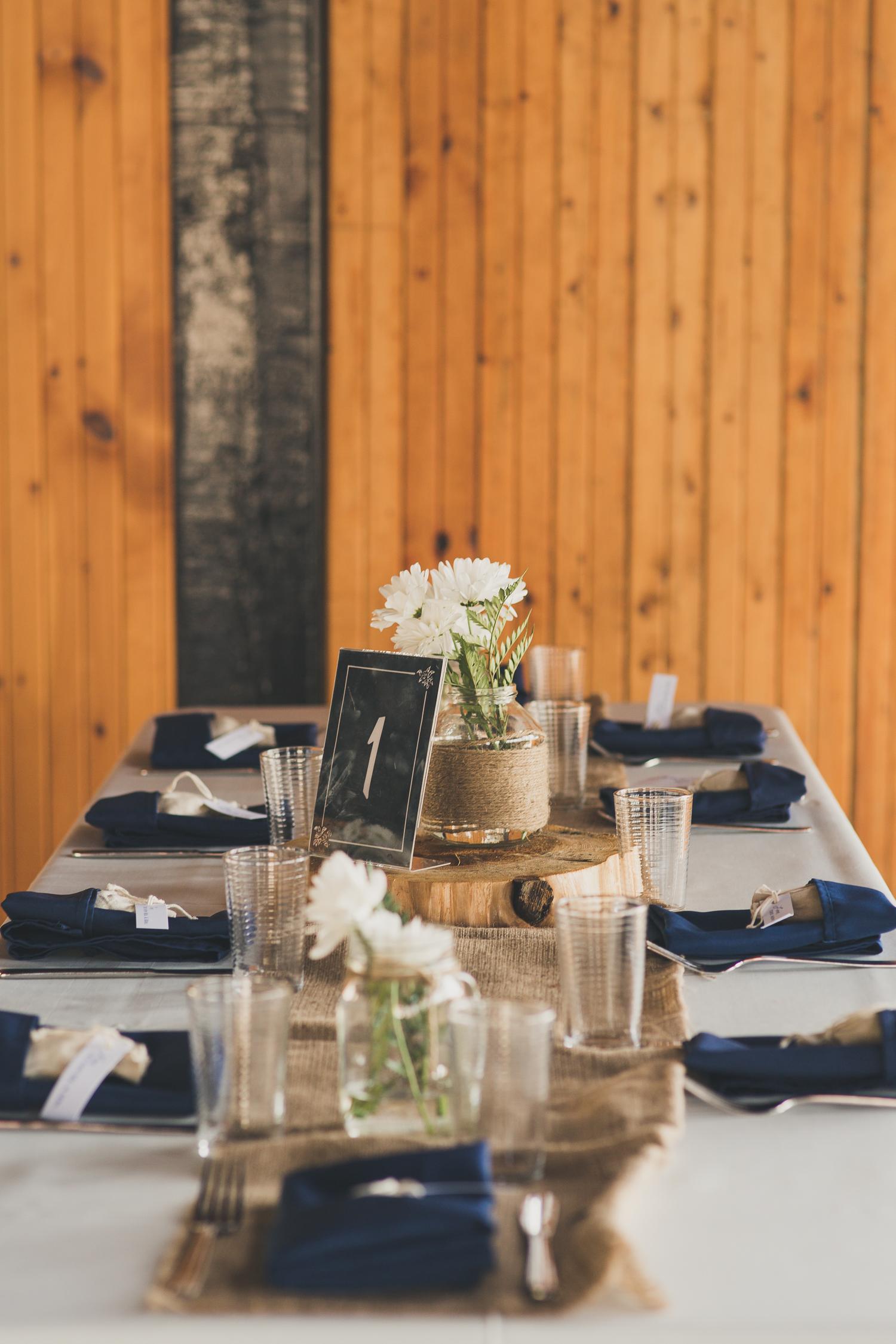 navy-blue-burlap-wedding