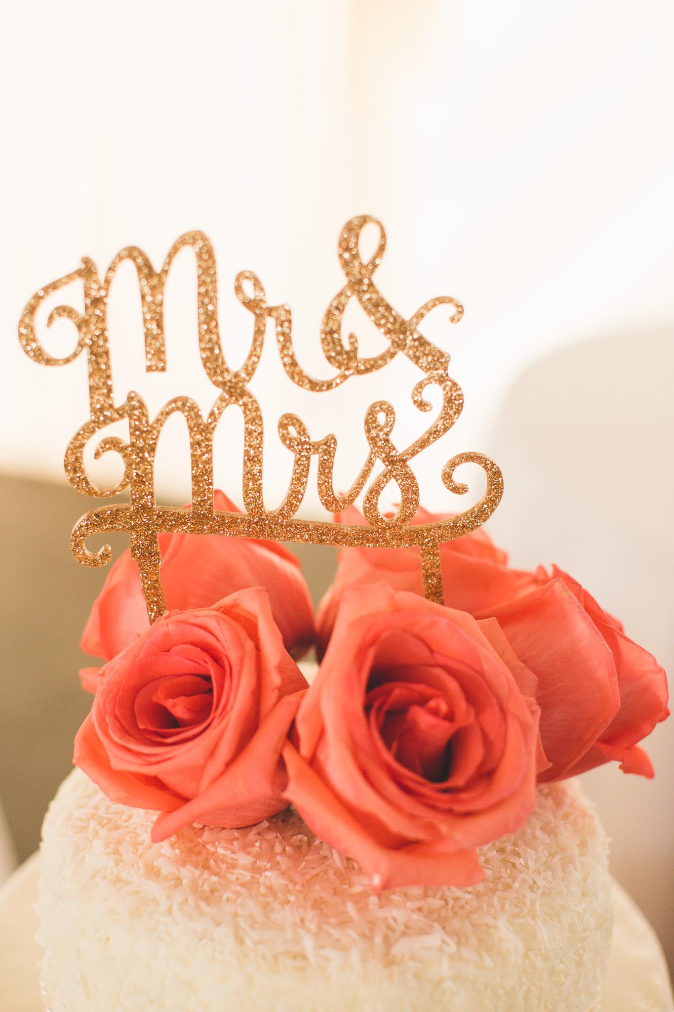 modern-wedding-cake-toppers