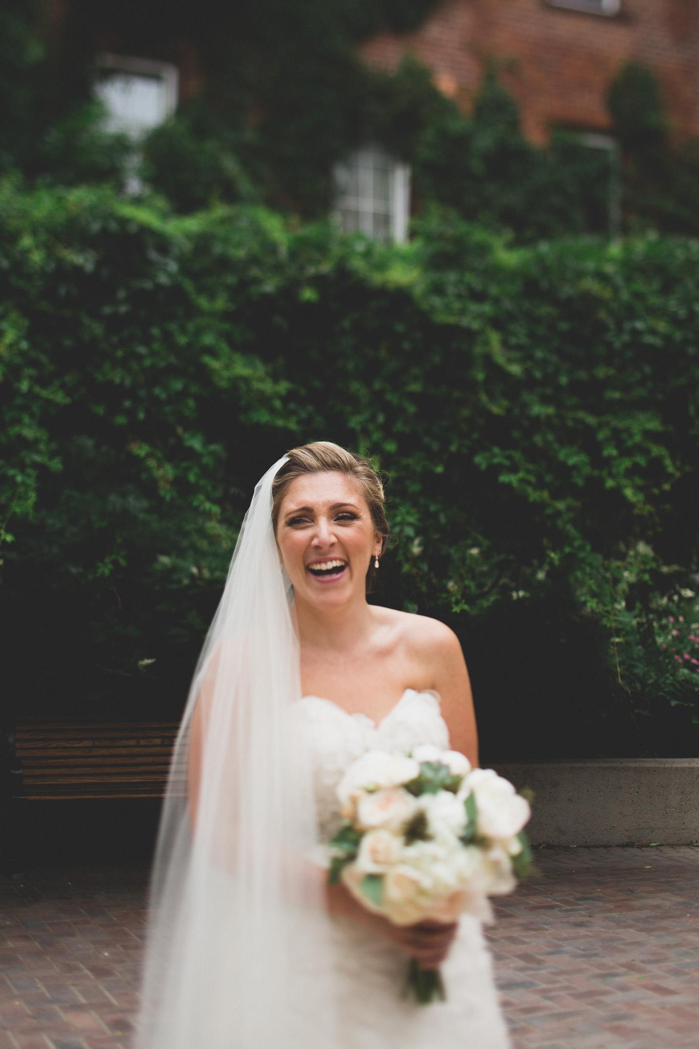 candid-photos-bride