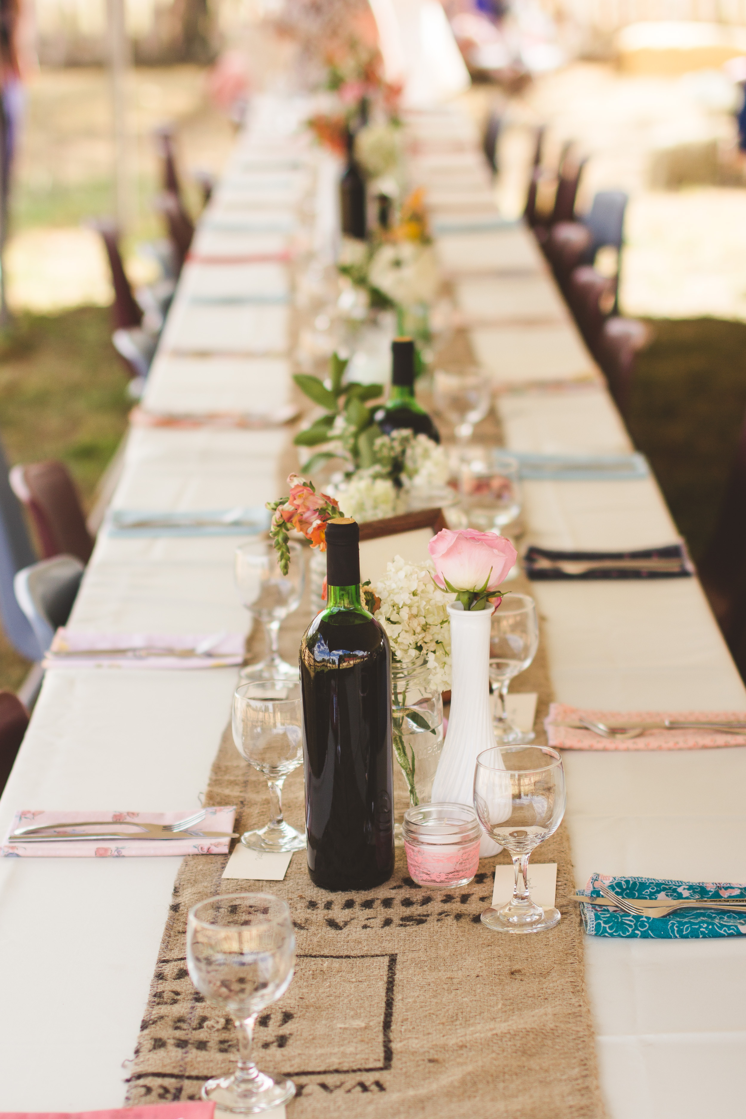 72-amazing_wedding_table_outside.jpg