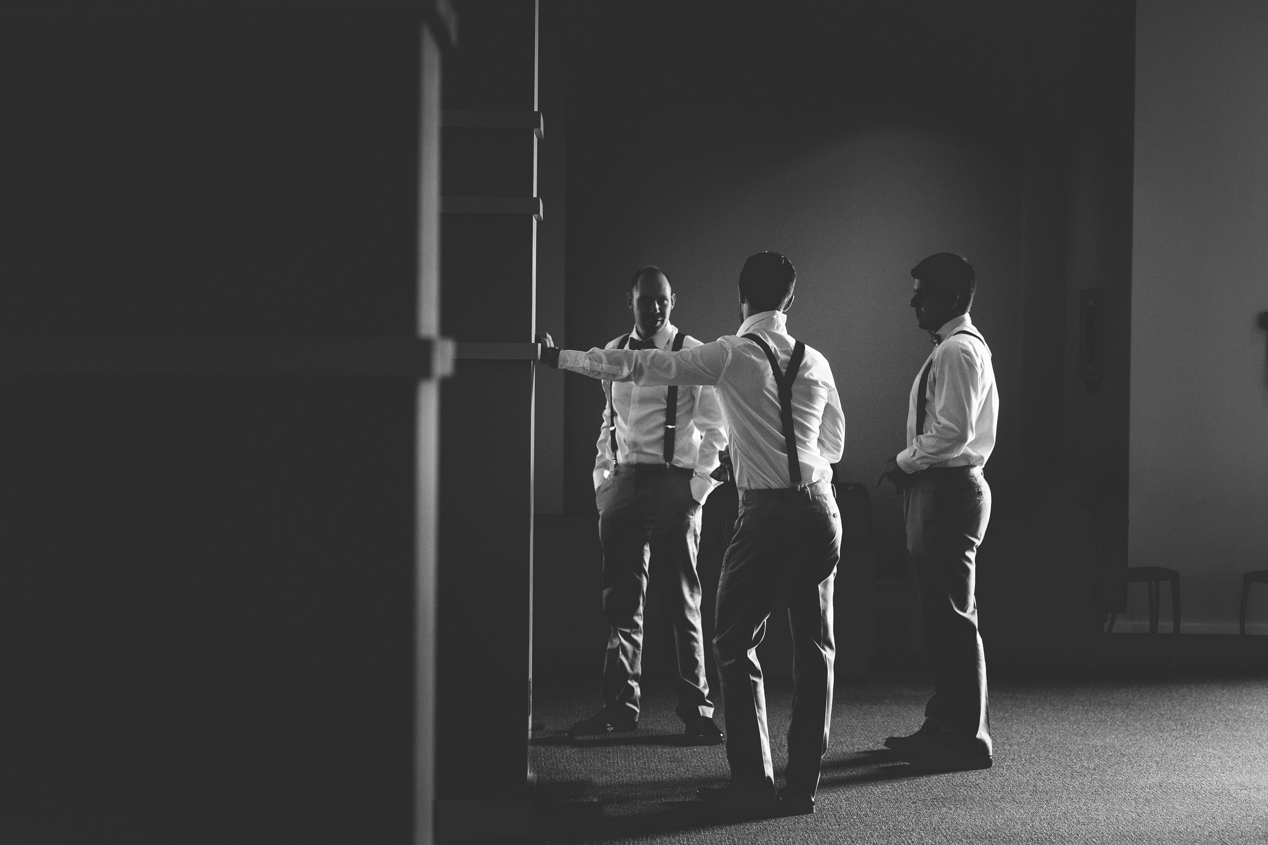 67-Groomsmen_candid_photography.jpg