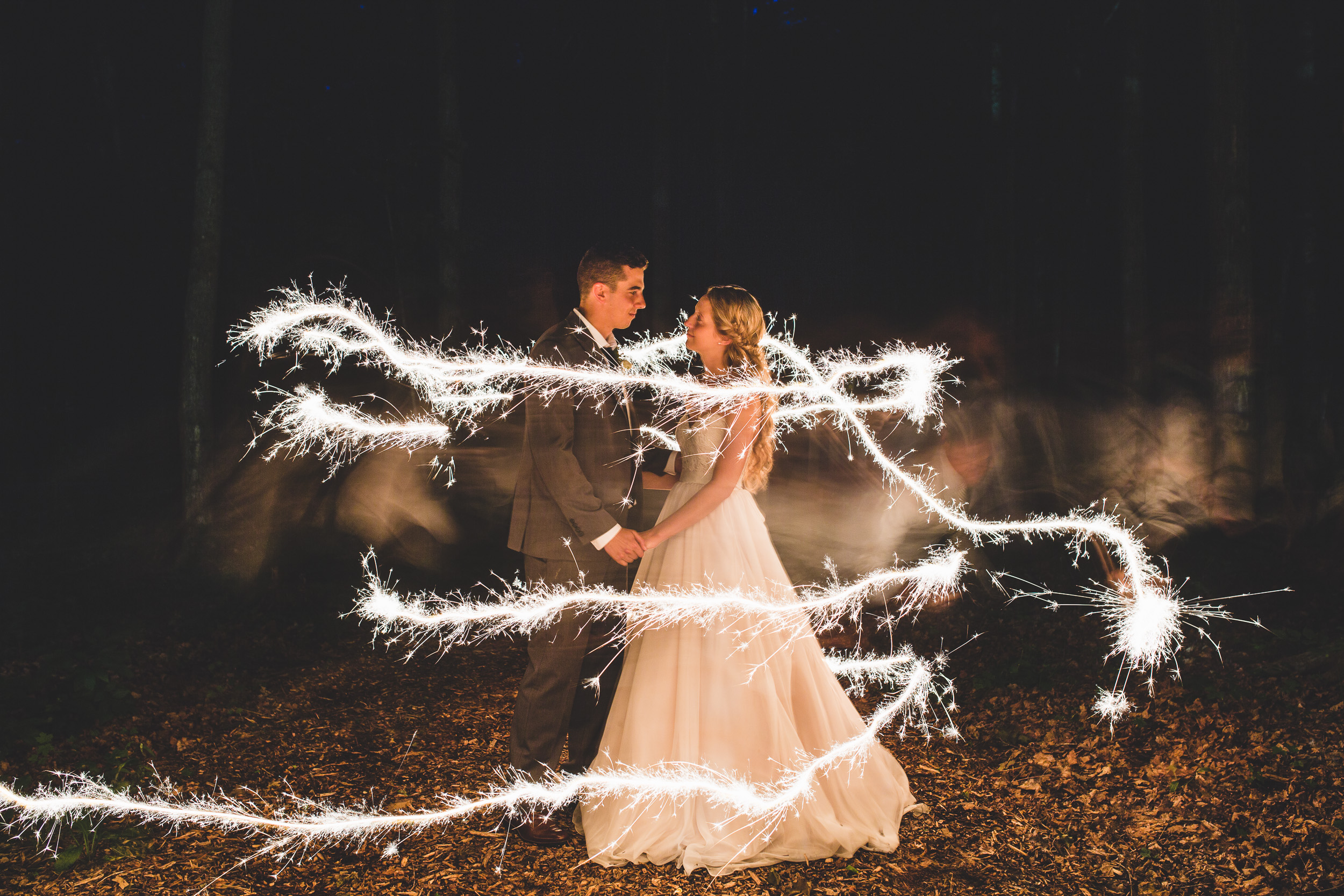 15-sparkler-photo-at-lanark-wedding.jpg