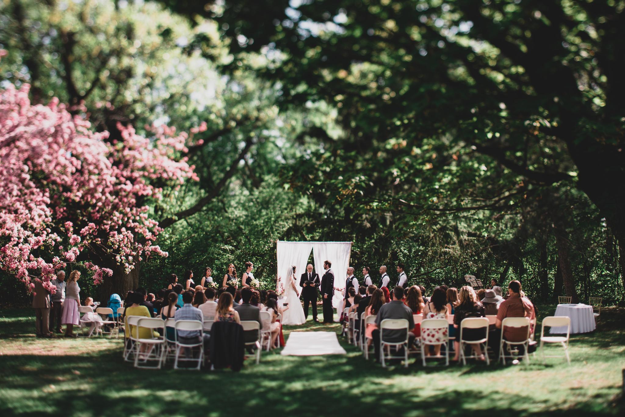 Spring wedding at Billings Estate Museum in Ottawa