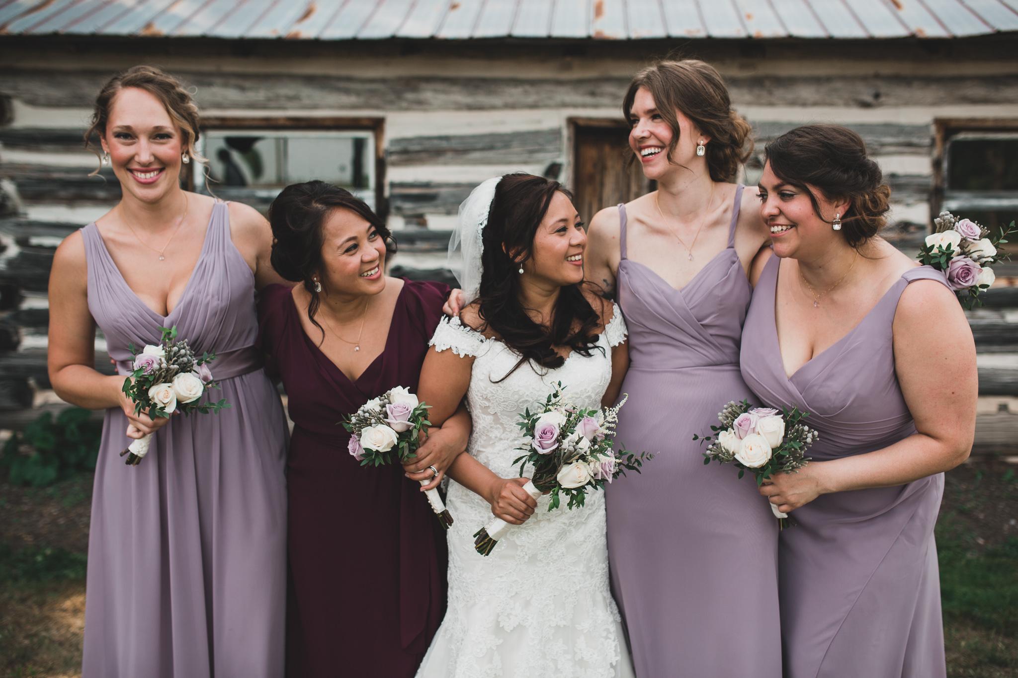 Naturally posed wedding photos, Eastern Ontario