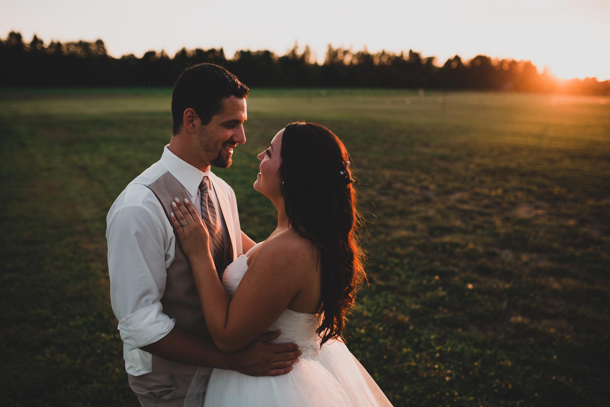 Sunset wedding photos, romantic natural