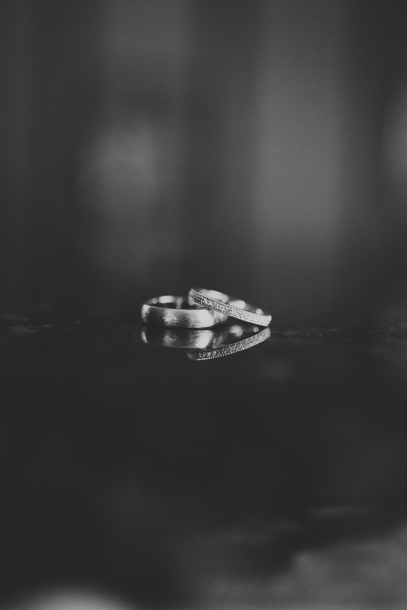 Simple reflection wedding rings photo