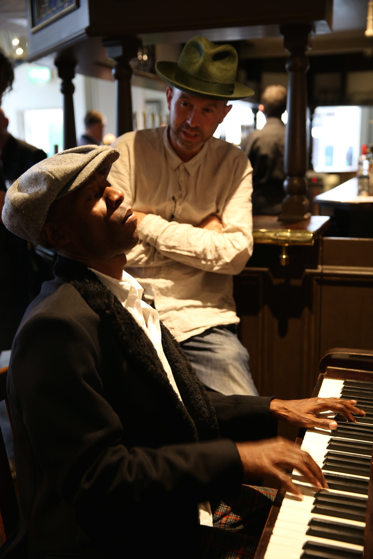 Andrew Roachford at the Duchy Arms.JPG