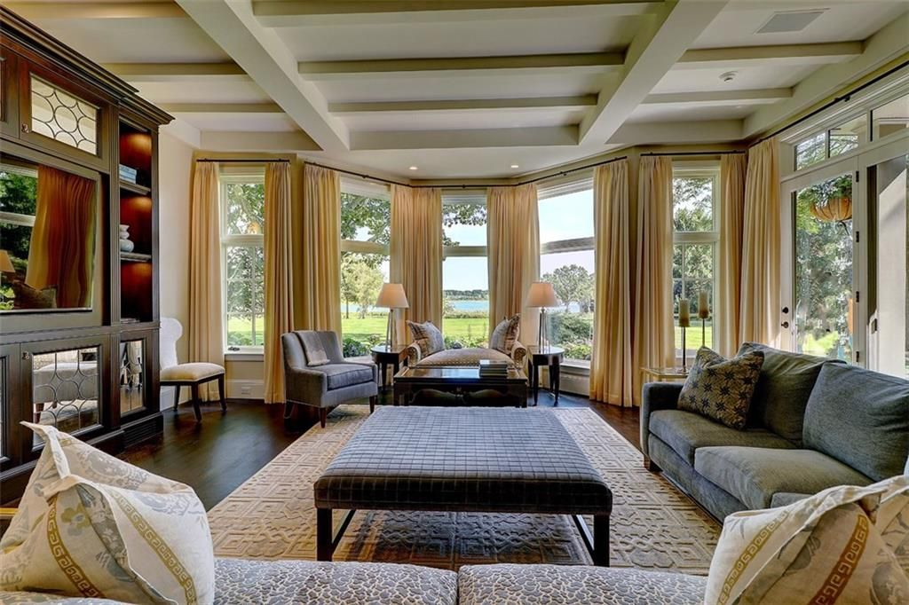 Luxe_and_Livable_Interior_Design_Blog_by_Maloney_Interiors_Barrington_Rhode_Island_Residential_Properties_Real_Estate_3.jpg