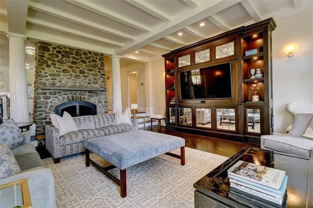 Luxe_and_Livable_Interior_Design_Blog_by_Maloney_Interiors_Barrington_Rhode_Island_Residential_Properties_Real_Estate_6.jpg