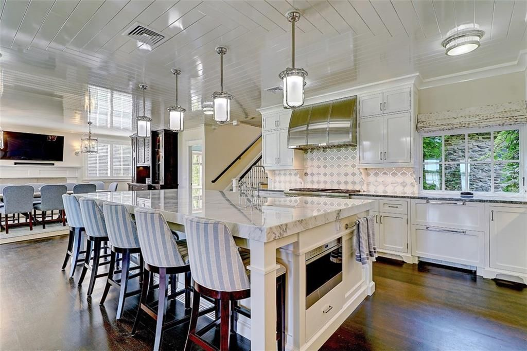 Luxe_and_Livable_Interior_Design_Blog_by_Maloney_Interiors_Barrington_Rhode_Island_Residential_Properties_Real_Estate_7.jpg