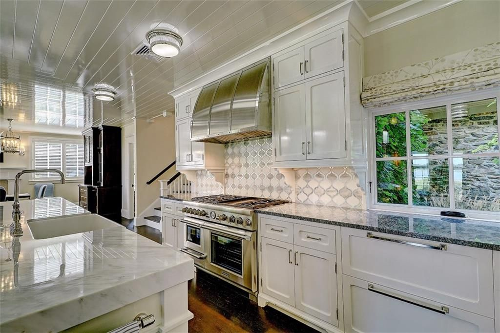 Luxe_and_Livable_Interior_Design_Blog_by_Maloney_Interiors_Barrington_Rhode_Island_Residential_Properties_Real_Estate_9.jpg