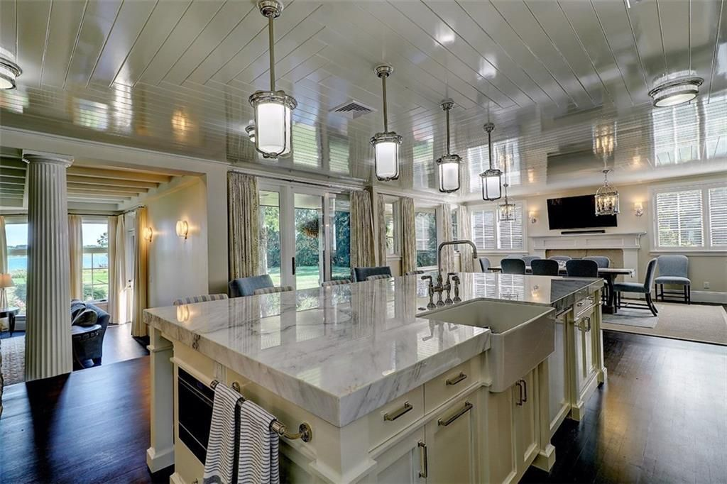 Luxe_and_Livable_Interior_Design_Blog_by_Maloney_Interiors_Barrington_Rhode_Island_Residential_Properties_Real_Estate_11.jpg