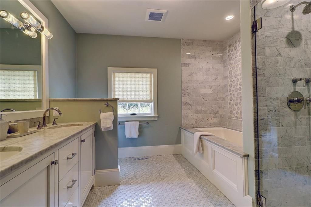 Luxe_and_Livable_Interior_Design_Blog_by_Maloney_Interiors_Barrington_Rhode_Island_Residential_Properties_Real_Estate_28.jpg
