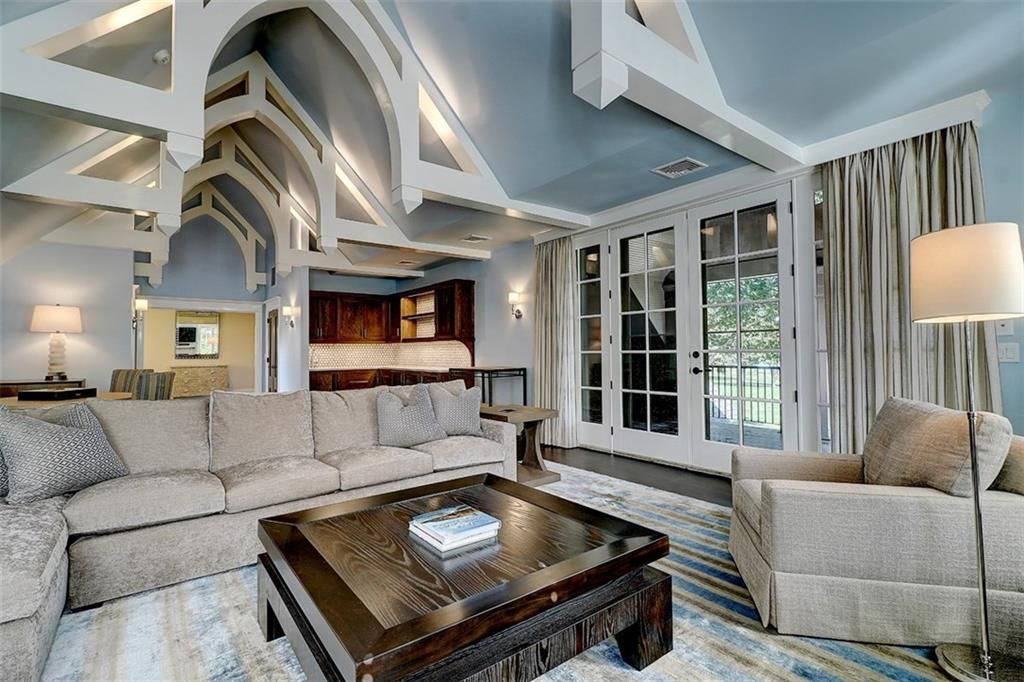 Luxe_and_Livable_Interior_Design_Blog_by_Maloney_Interiors_Barrington_Rhode_Island_Residential_Properties_Real_Estate_15.jpg