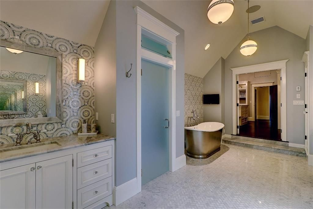 Luxe_and_Livable_Interior_Design_Blog_by_Maloney_Interiors_Barrington_Rhode_Island_Residential_Properties_Real_Estate_23.jpg