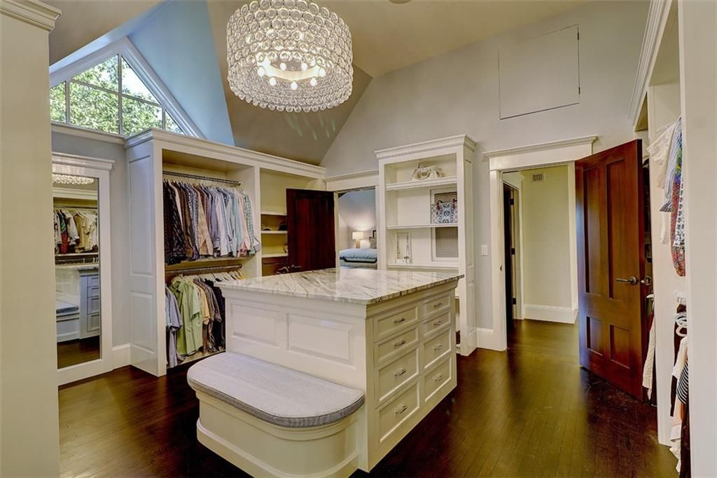 Luxe_and_Livable_Interior_Design_Blog_by_Maloney_Interiors_Barrington_Rhode_Island_Residential_Properties_Real_Estate_24.jpg