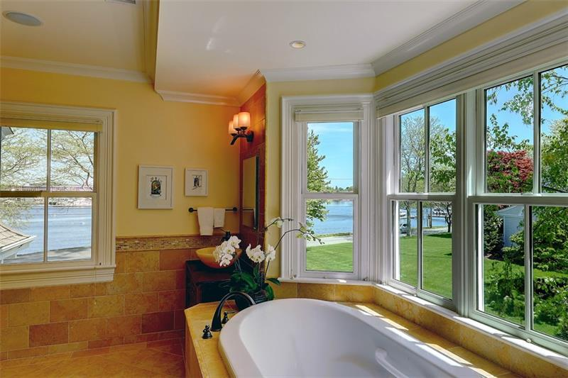 Luxe_and_Livable_Interior_Design_Blog_by_Maloney_Interiors_Barrington_Rhode_Island_Residential_Properties_Real_Estate_2.jpg