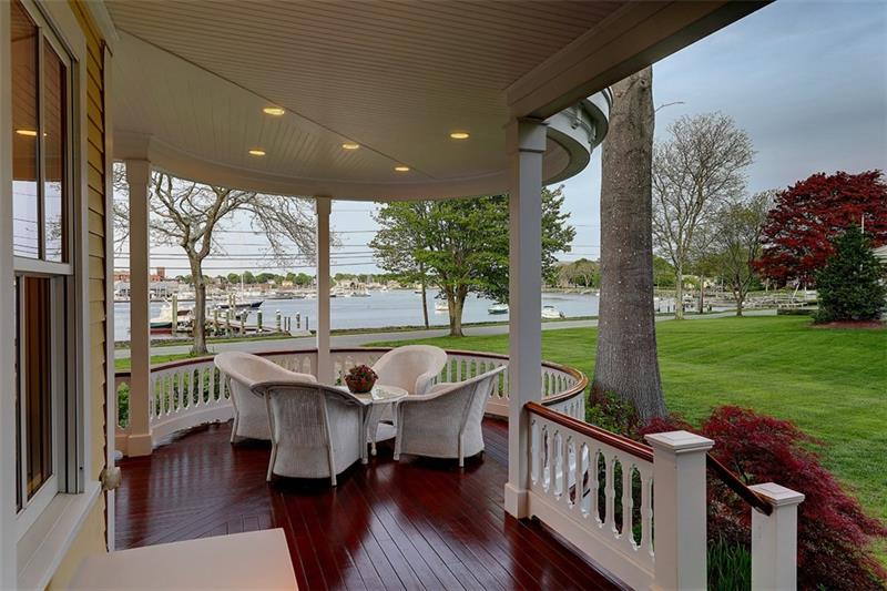 Luxe_and_Livable_Interior_Design_Blog_by_Maloney_Interiors_Barrington_Rhode_Island_Residential_Properties_Real_Estate_5.jpg