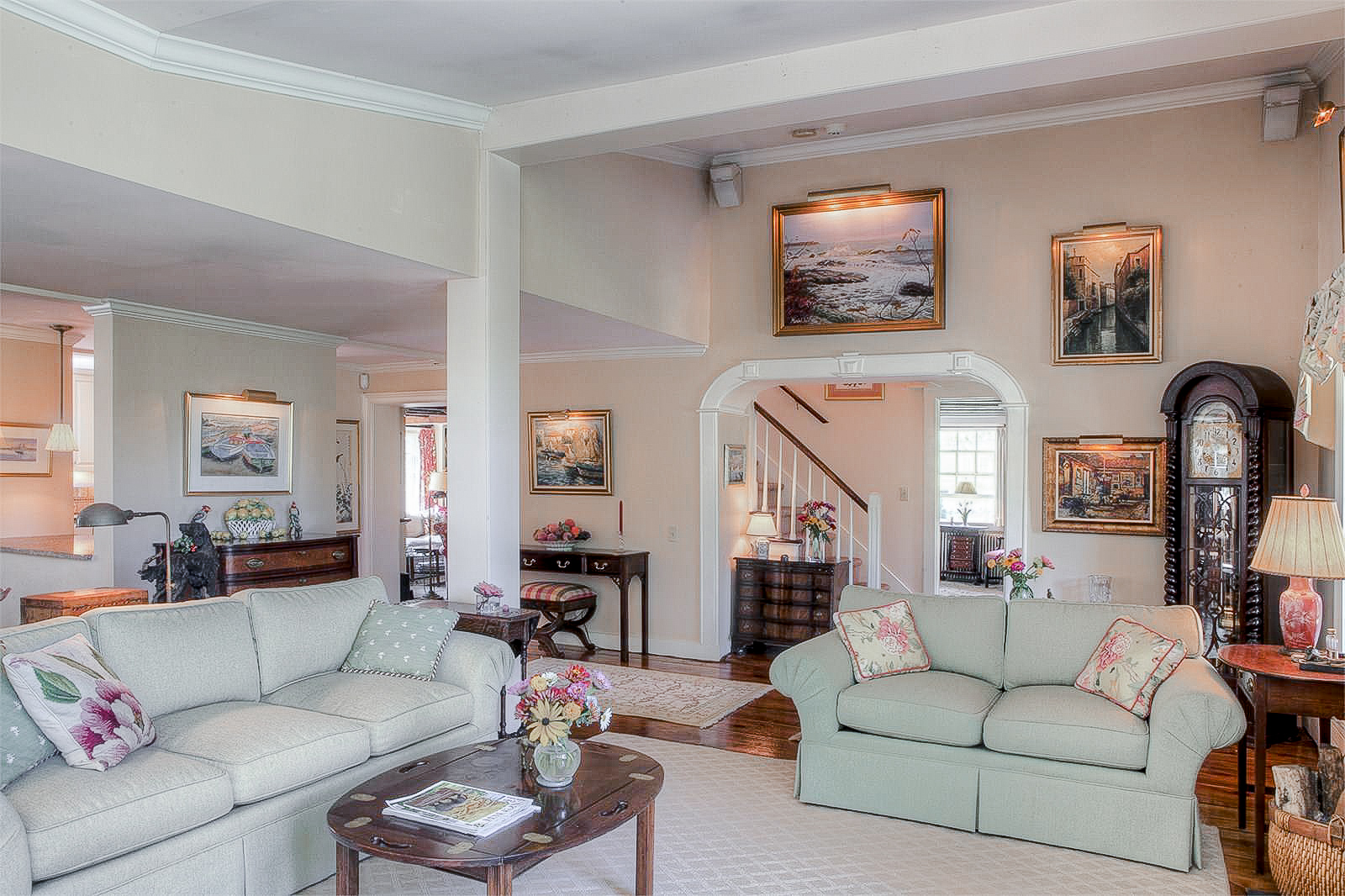 Luxe_and_Livable_Interior_Design_Blog_by_Maloney_Interiors_Portsmouth_Rhode_Island_Kimberly_Fleming_Real_Estate_11.jpg