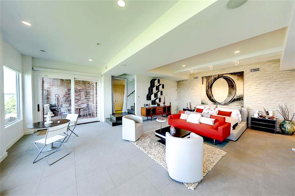 Luxe_and_Livable_Interior_Design_Blog_by_Maloney_Interiors_Newport_Rhode_Island_Residential_Properties_Glass_House_08.jpg