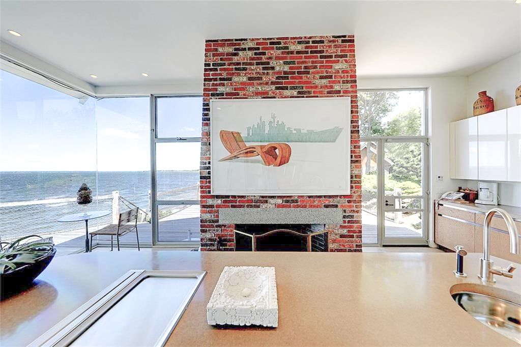 Luxe_and_Livable_Interior_Design_Blog_by_Maloney_Interiors_Newport_Rhode_Island_Residential_Properties_Glass_House_03.jpg