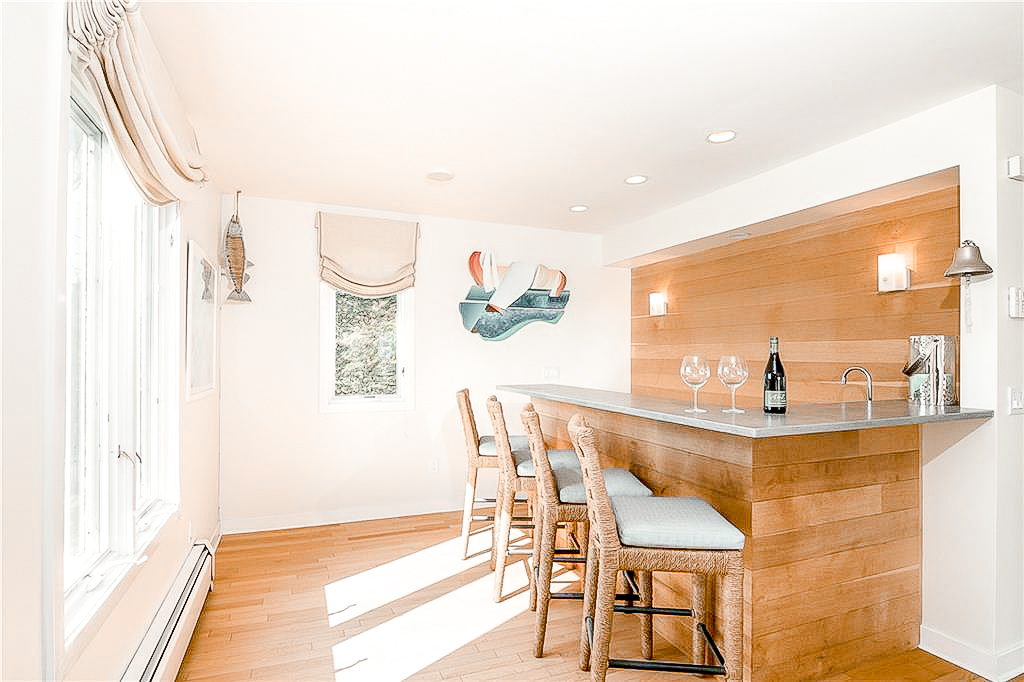 Luxe_and_Livable_Interior_Design_Blog_by_Maloney_Interiors_Newport_Rhode_Island_Lila_Delman_Real_Estate_11.jpg