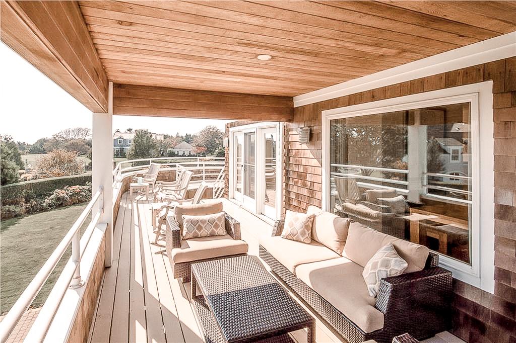Luxe_and_Livable_Interior_Design_Blog_by_Maloney_Interiors_Newport_Rhode_Island_Lila_Delman_Real_Estate_18.jpg