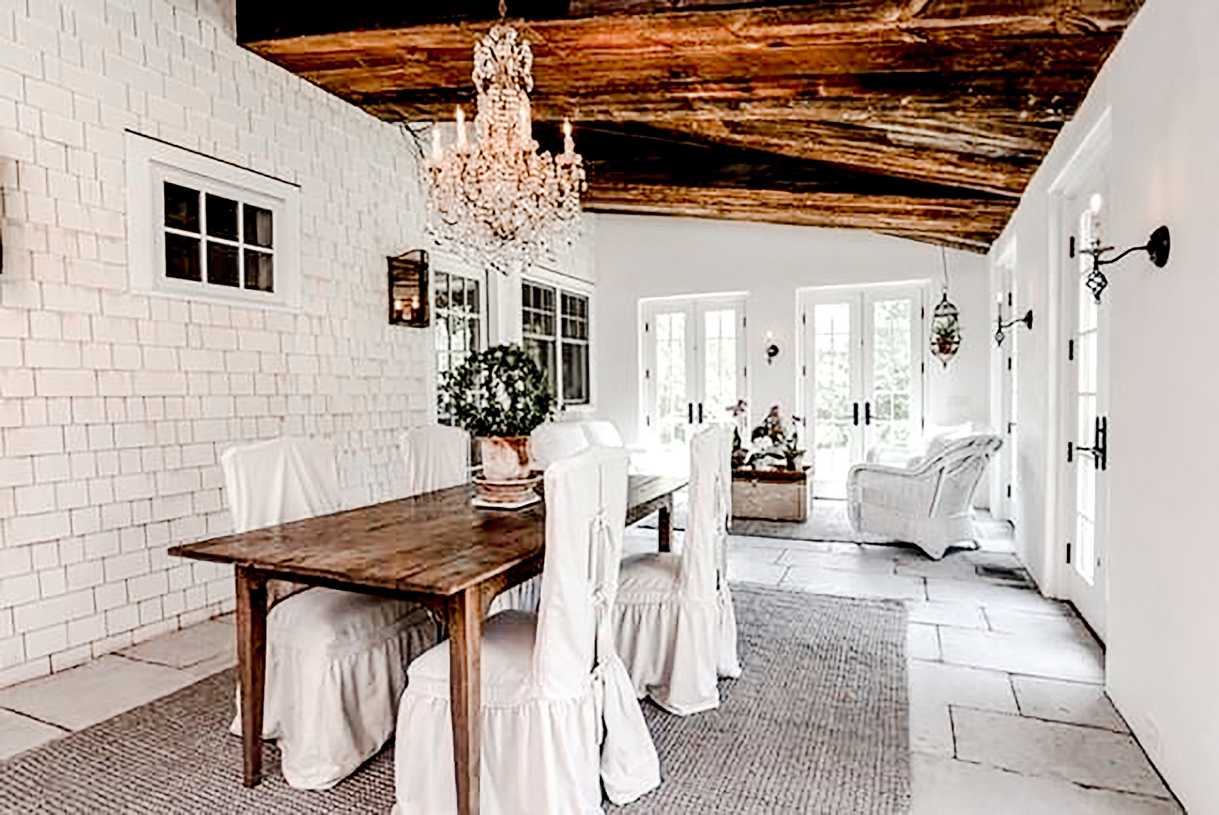 Luxe_and_Livable_Interior_Design_Blog_by_Maloney_Interiors_Newport_Rhode_Island_Gustave_White_Sotheby_Real_Estate_7.jpg
