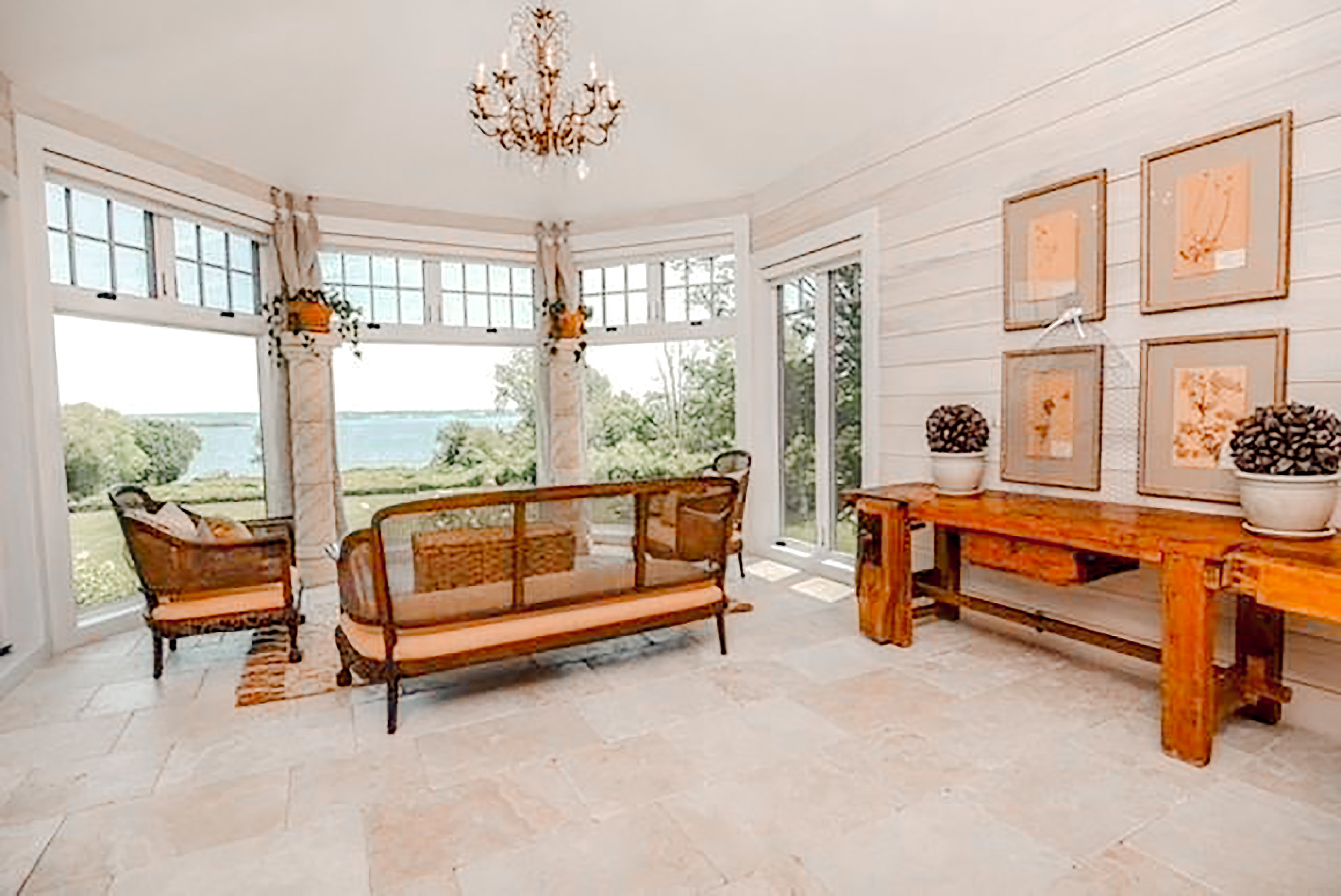 Luxe_and_Livable_Interior_Design_Blog_by_Maloney_Interiors_Newport_Rhode_Island_Gustave_White_Sotheby_Real_Estate_14.jpg