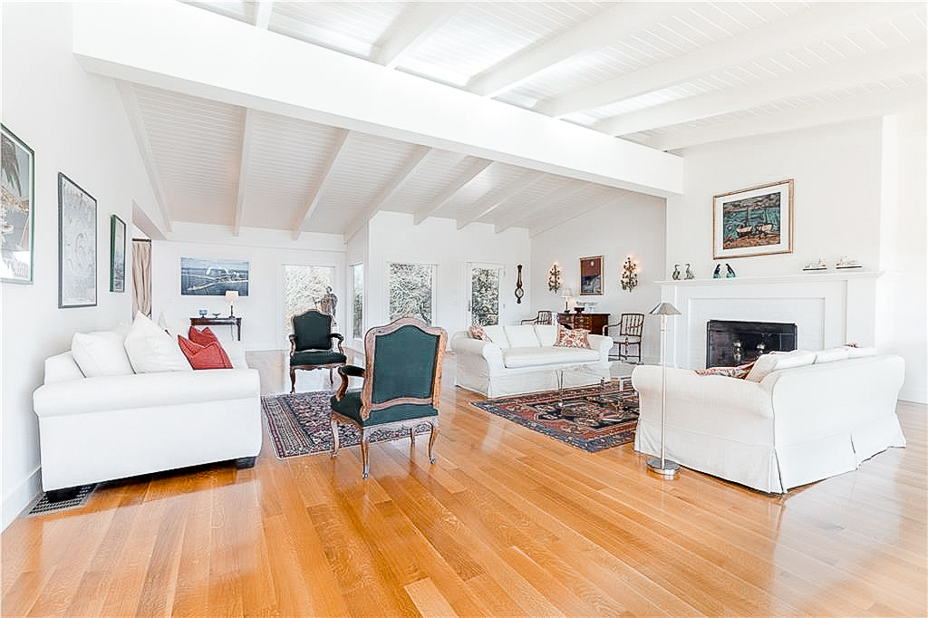 Luxe_and_Livable_Interior_Design_Blog_by_Maloney_Interiors_Newport_Rhode_Island_LilaDelman_Real_Estate_Westerly_02.jpg