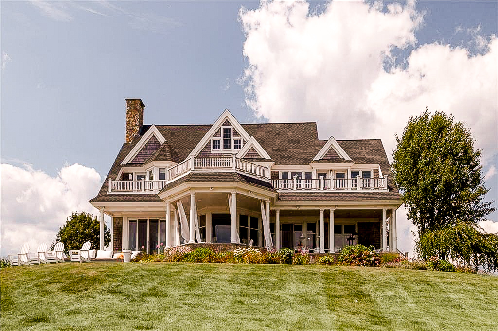 Luxe_and_livable_blog_by_Maloney_Interiors_Newport_Rhode_Island_Keller_Williams_Realty_02.jpg