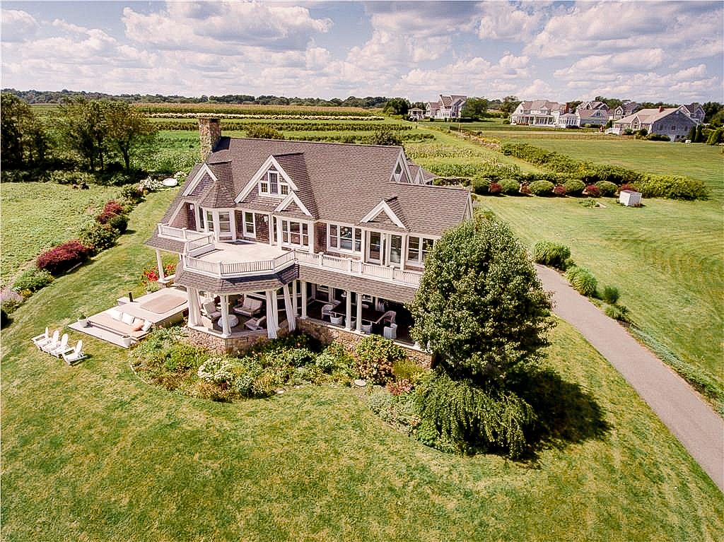 Luxe_and_livable_blog_by_Maloney_Interiors_Newport_Rhode_Island_Keller_Williams_Realty_03.jpg