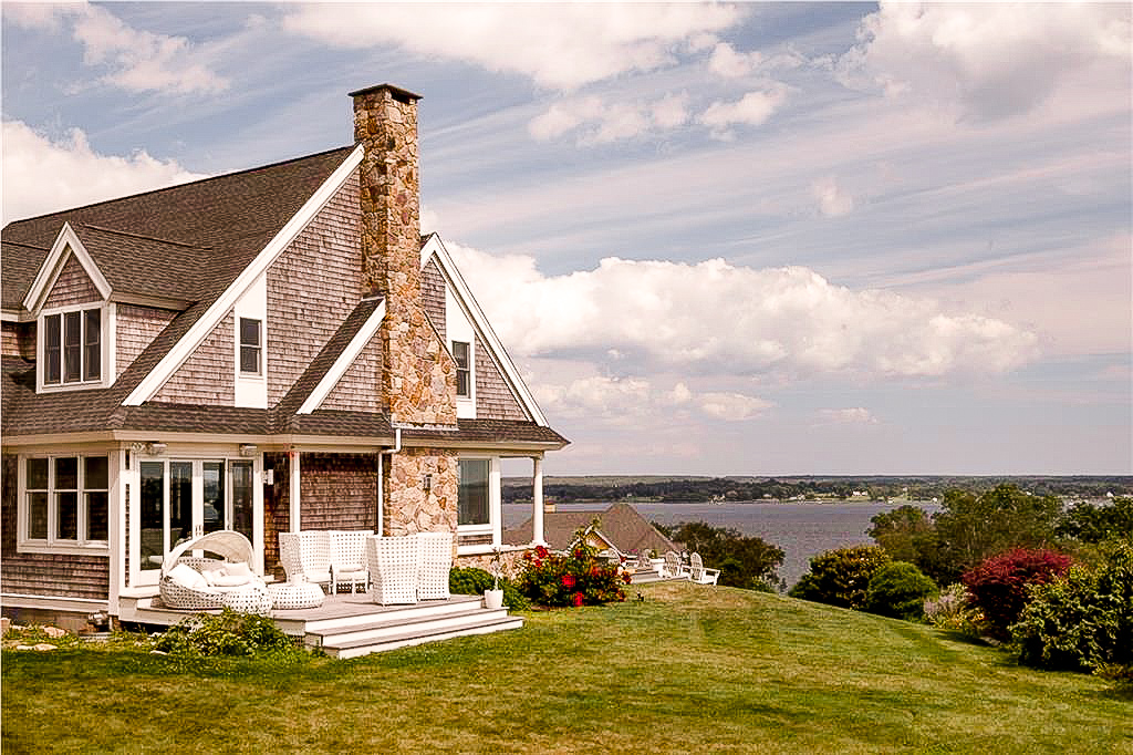 Luxe_and_livable_blog_by_Maloney_Interiors_Newport_Rhode_Island_Keller_Williams_Realty_04.jpg