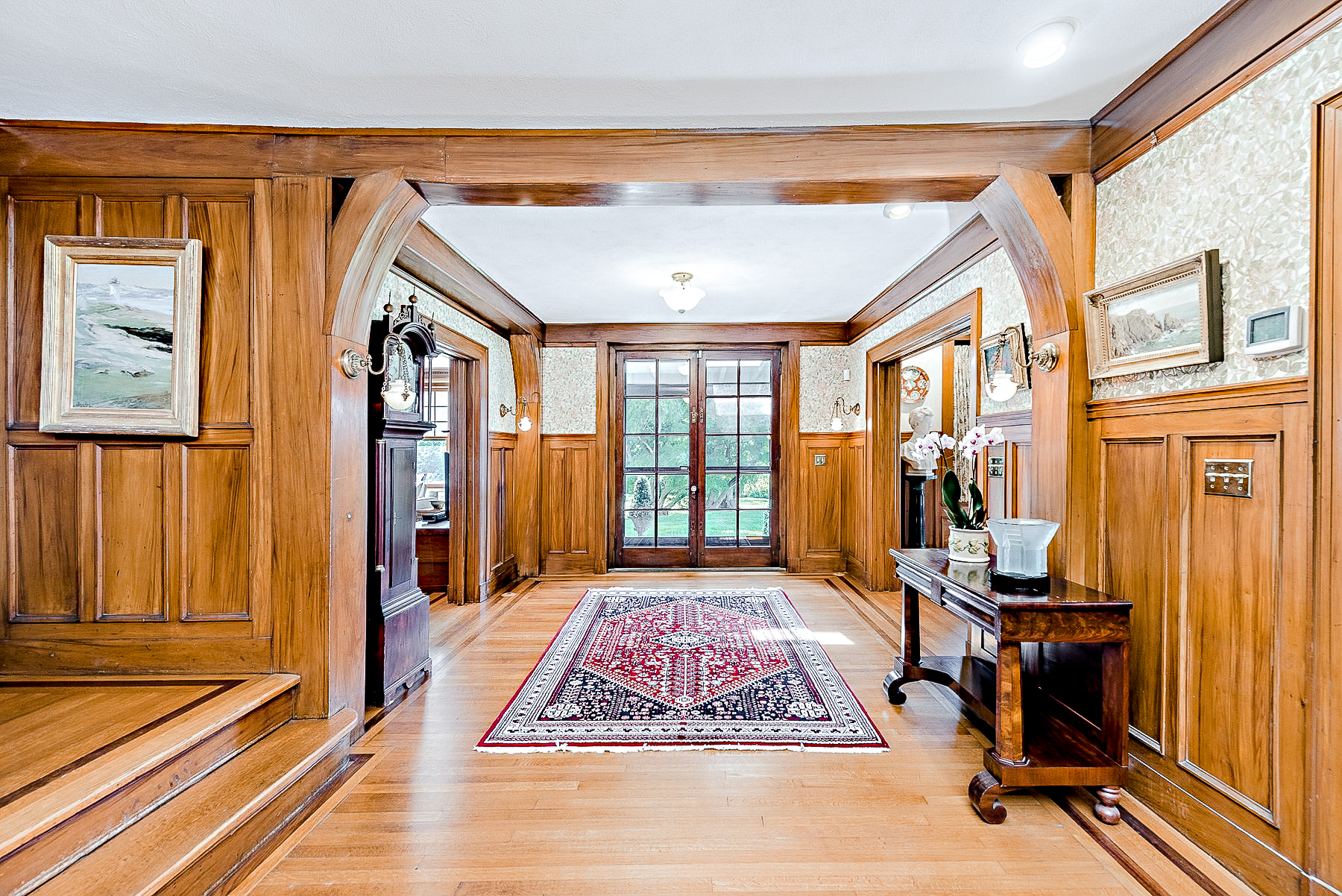 Luxe_and_Livable_Interior_Design_Blog_by_Maloney_Interiors_Mott_and_Chase_Realty_09.jpg