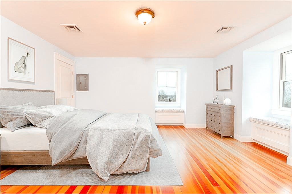 Luxe_and_Livable_Interior_Design_Blog_by_Maloney_Interiors_Newport_Rhode_Island_Lila_Delman_Real_Estate_22.jpg