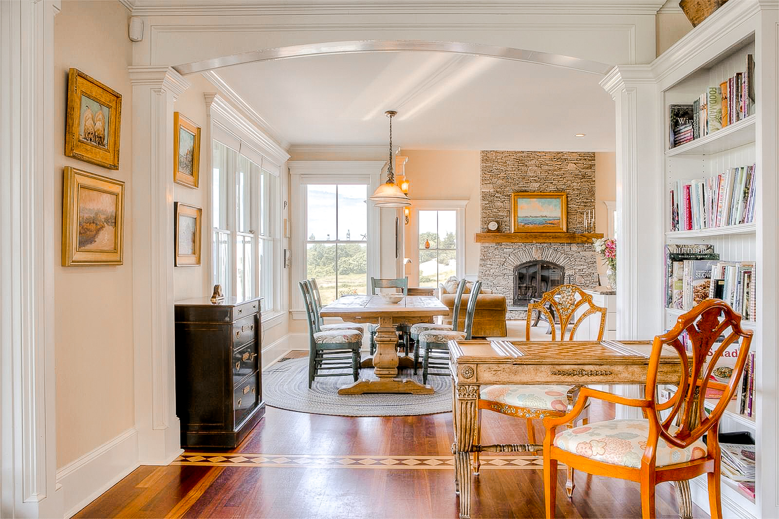 Luxe_and_Livable_Interior_Design_Blog_by_Maloney_Interiors_Newport_Rhode_Island_Gustave_White_Realty_28.jpg
