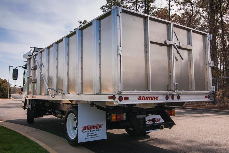 Isuzu with Aluminum Dump