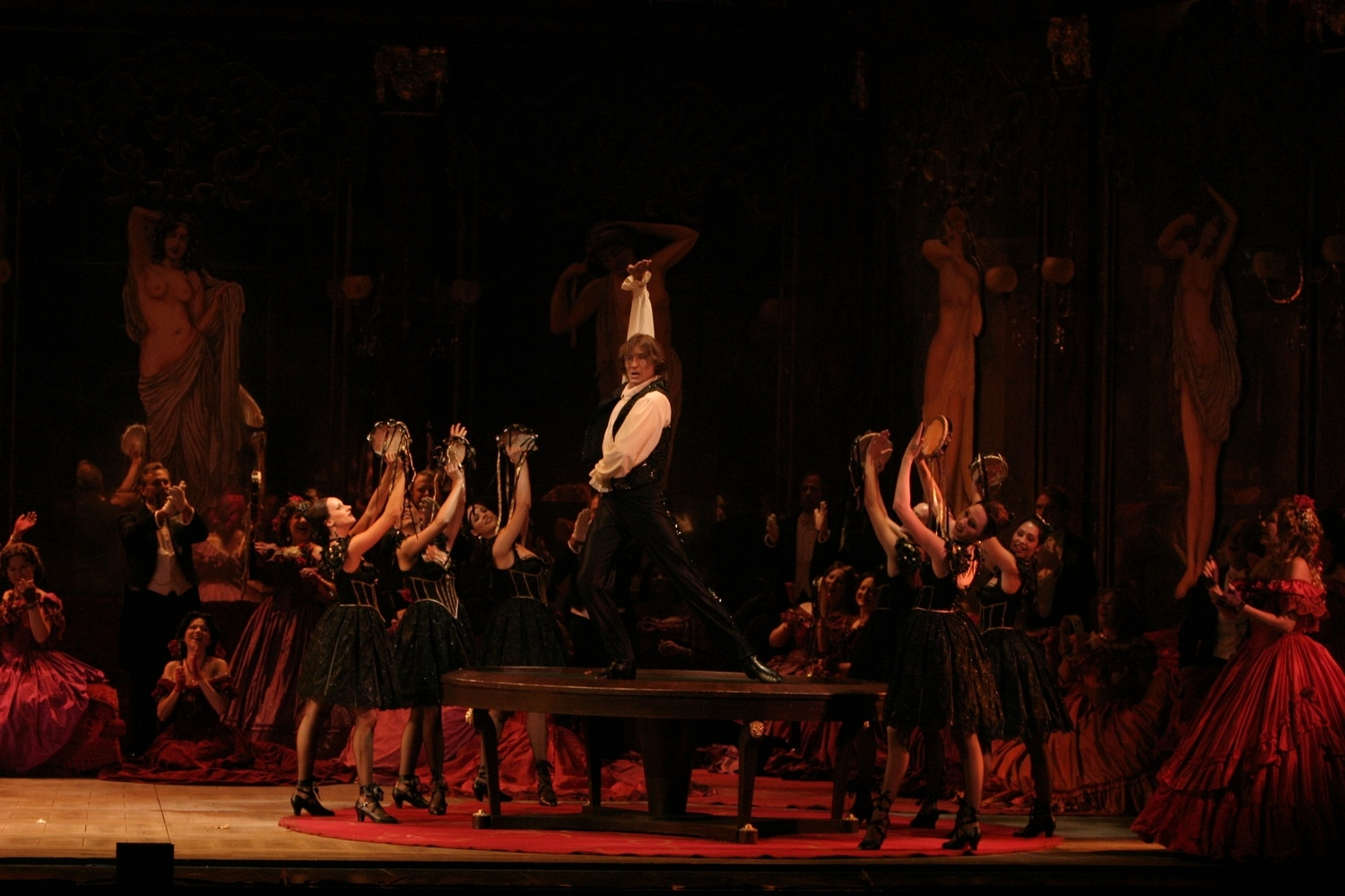 La Traviata  | LA Opera    photo: Robert Millard