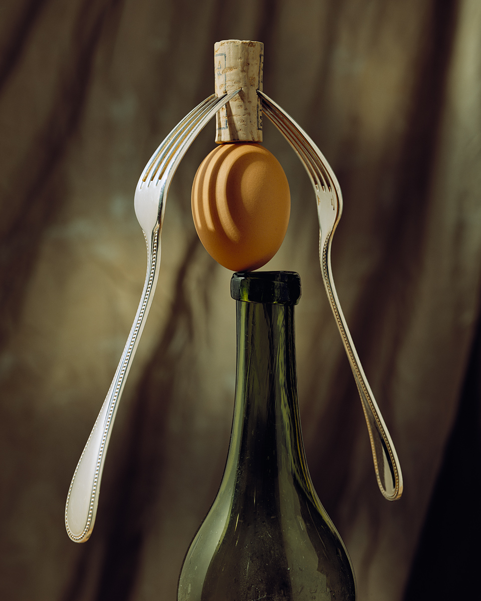 Balancing Egg ©1989 Walter Wick