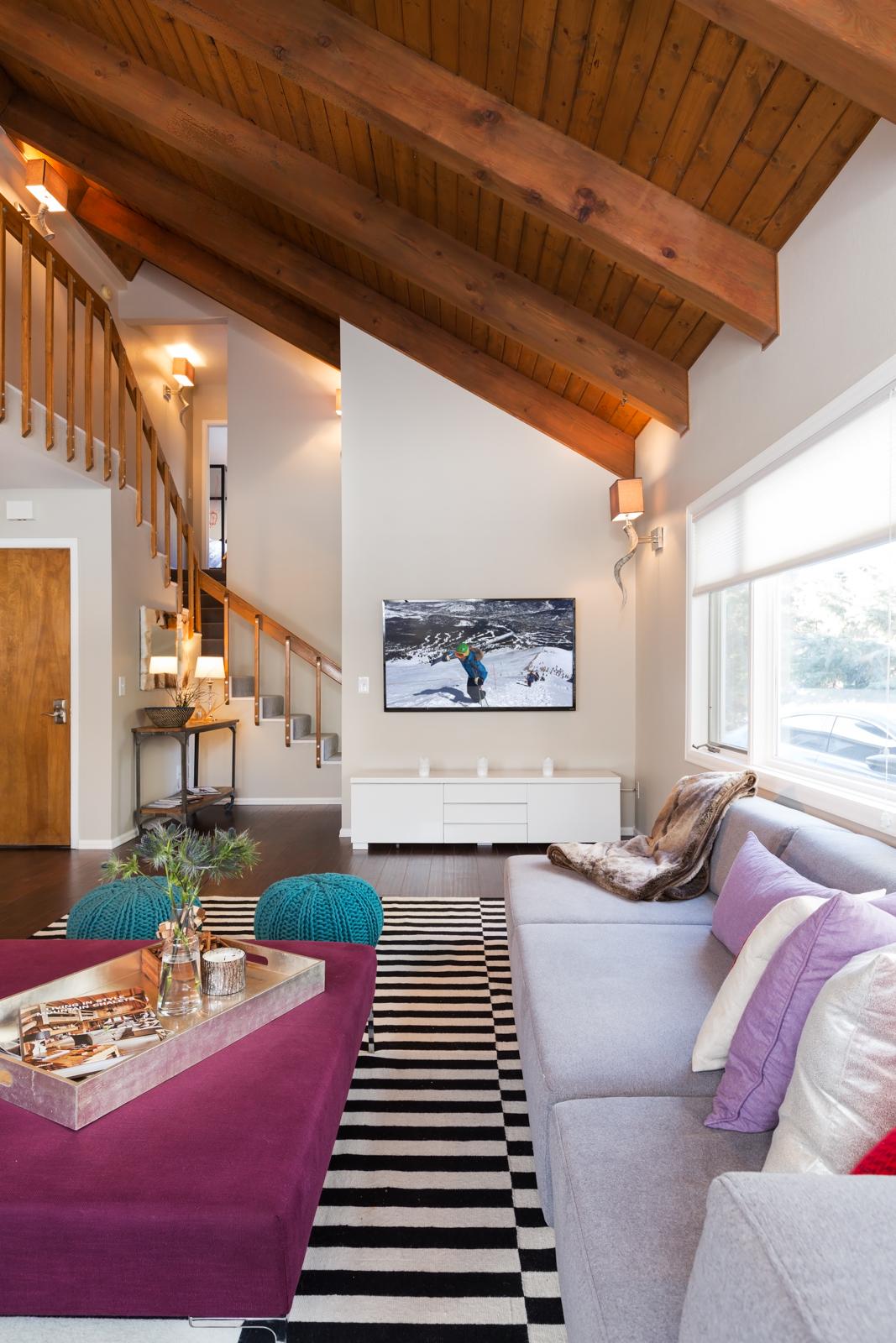 Living_room-4TV-3128704916-O.jpg
