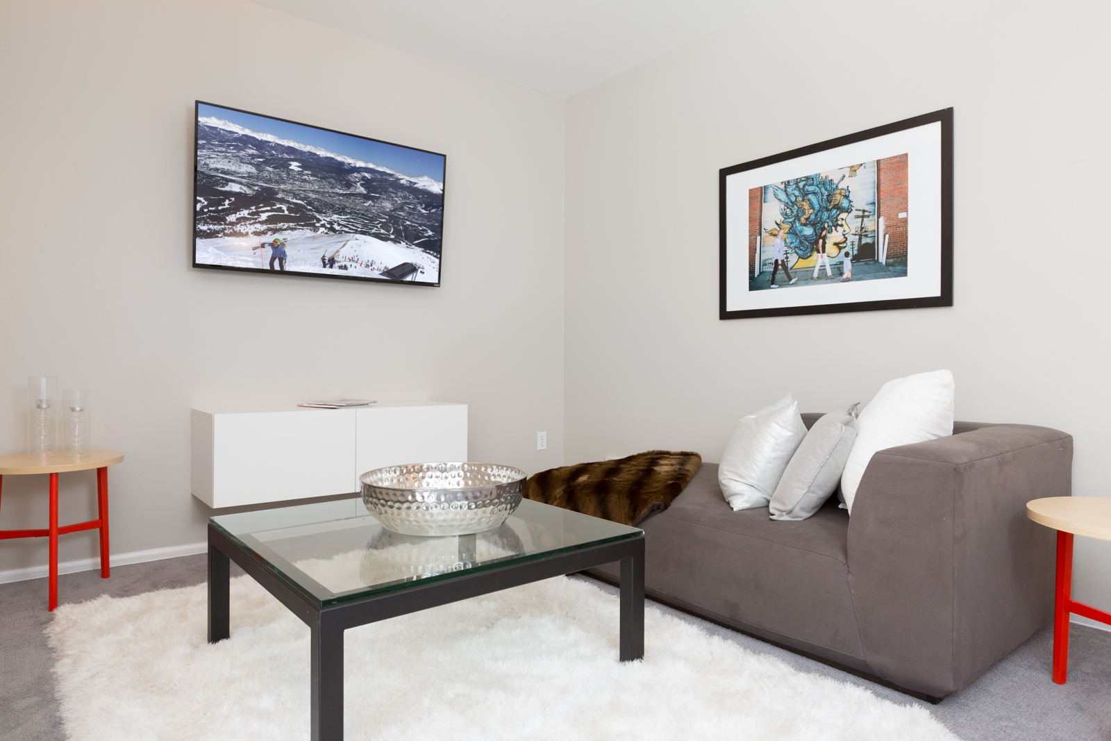 Master_bedroom-3TV-3128704508-O.jpg