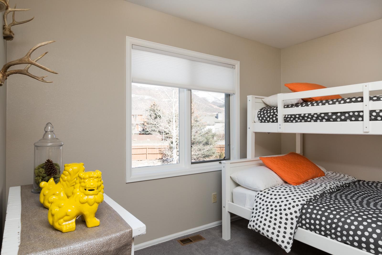 Third_bedroom-2-3128704386-O.jpg