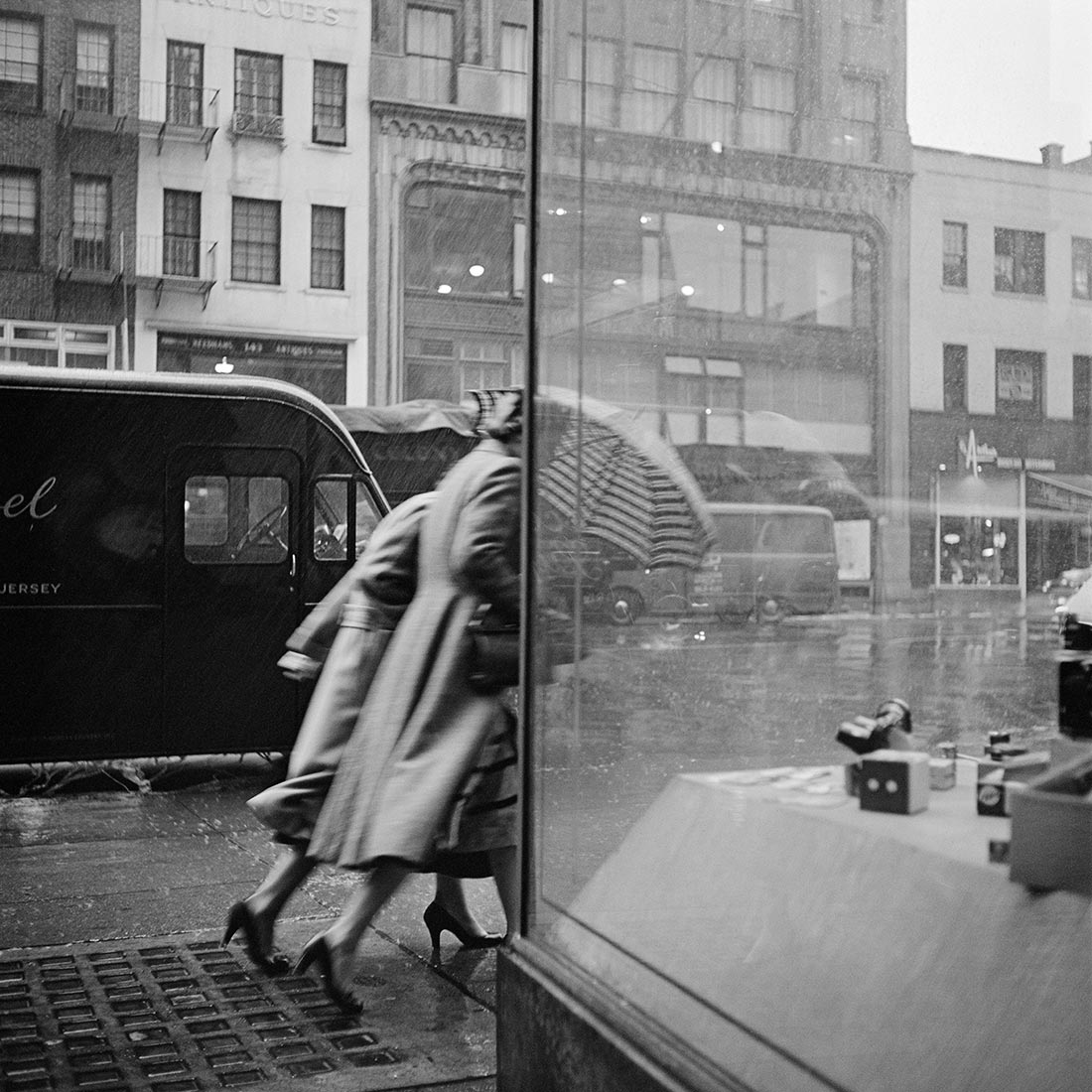 October 29, 1953. New York, NY |  vivianmaier.com