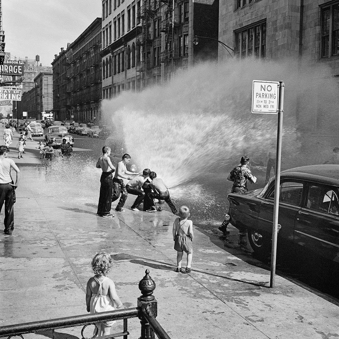 June 1954. New York, NY |  vivianmaier.com