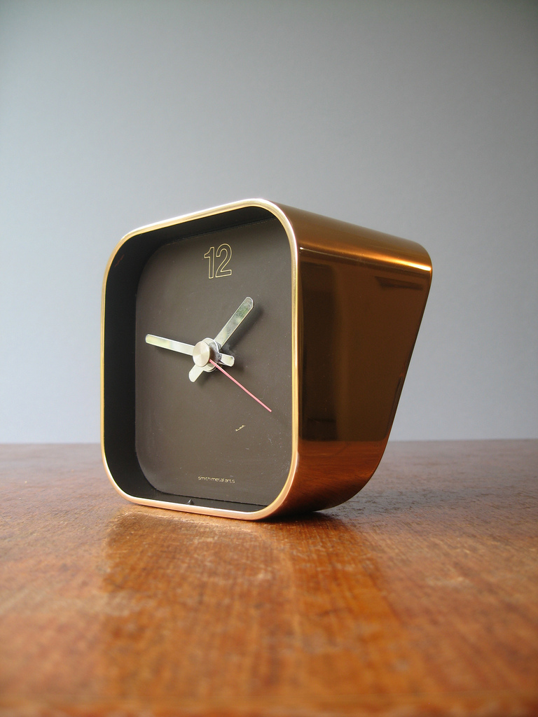 "A great estate sale find, this Smith Metal Arts ""Radius One"" desk clock, designed by William Sklaroff, is still made, but not in solid brass  via"