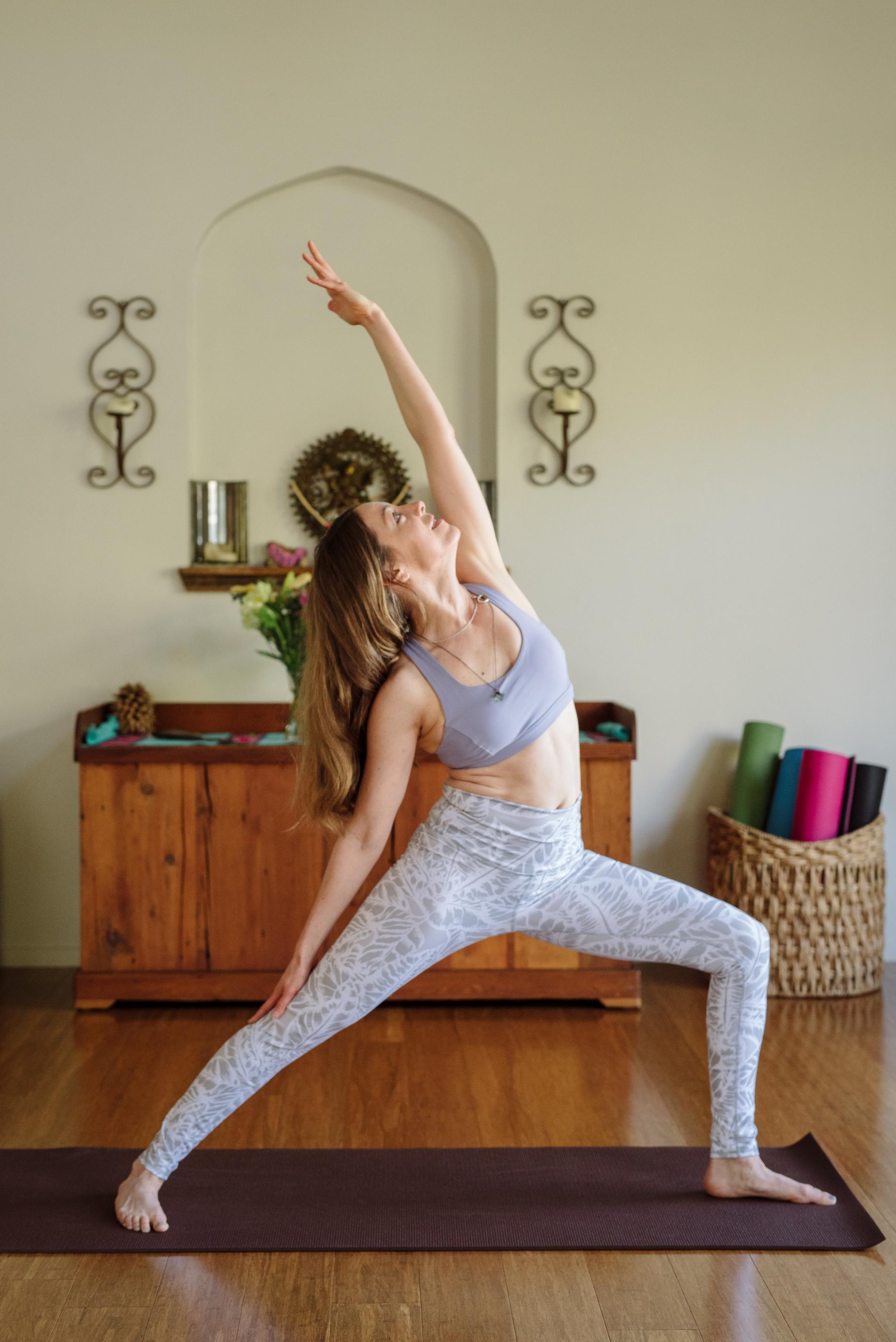 Nicole_Yoga (3 of 32).jpg