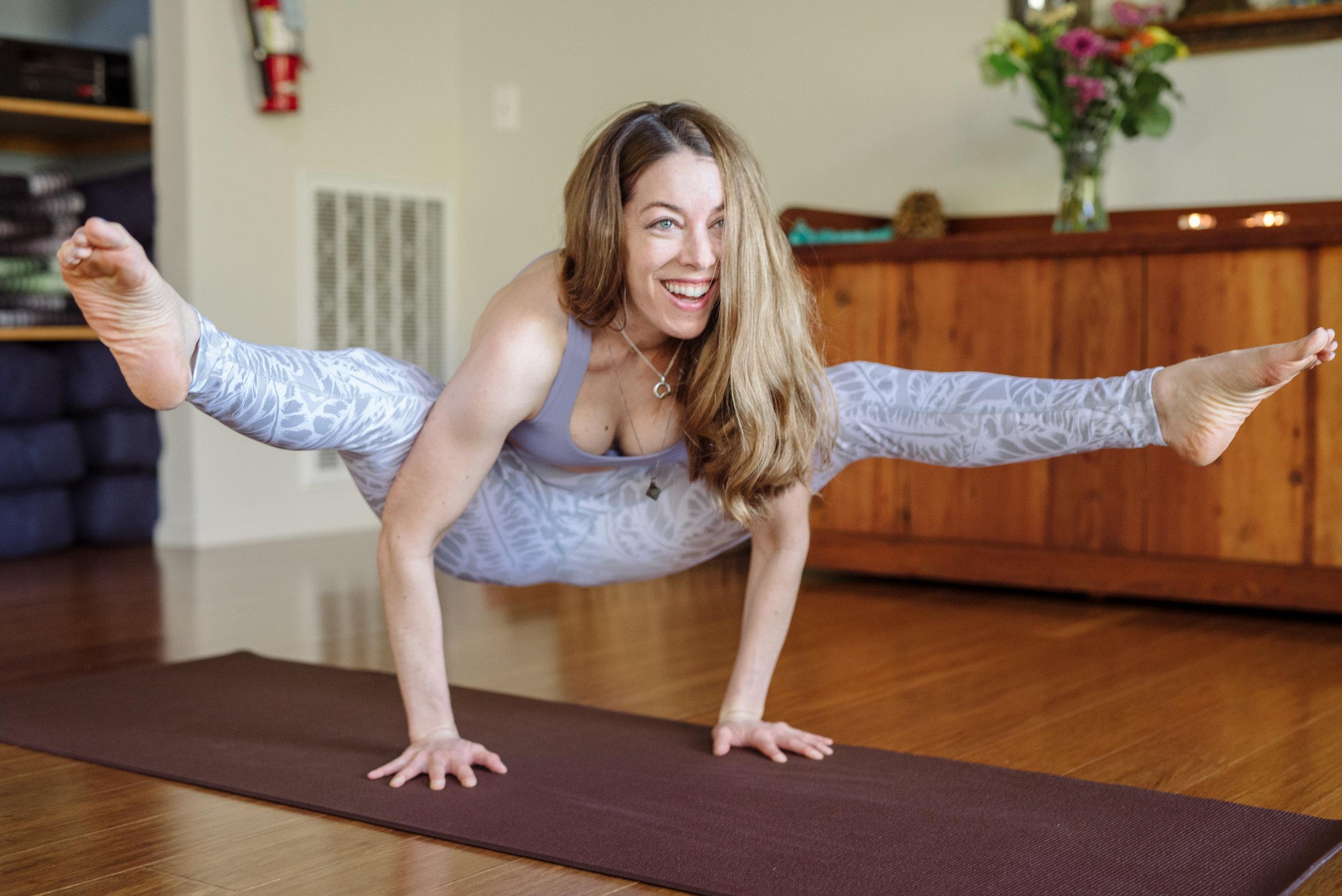 Nicole_Yoga (4 of 32).jpg